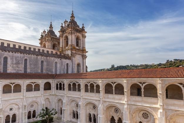 Architectonisch detail katholiek klooster alcobaca.