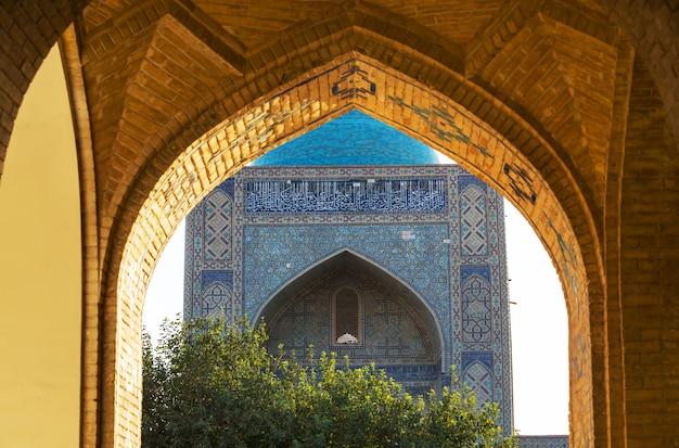 Architectonische details in oude architectuur. usbekistan, samarkand.