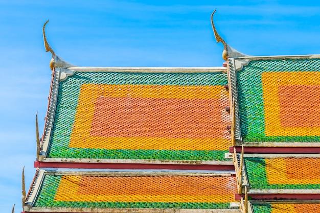 Architectuur dak van tempel in thaise stijl