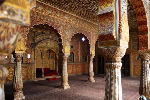 Architectuur in oosterse stijl huizen zandornament paleis