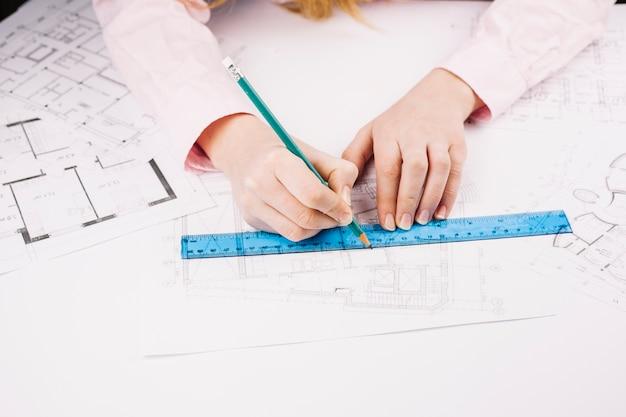 Architectuurconcept met de bouw van plan