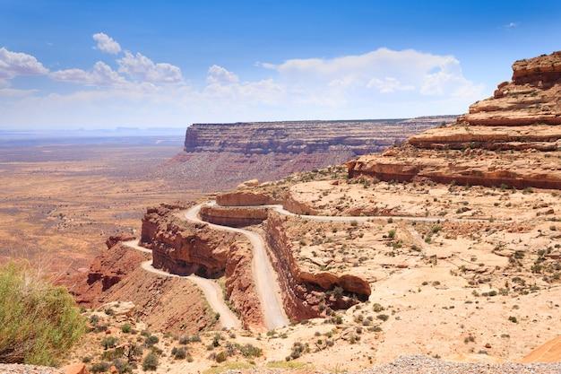 Arizona panorama vanaf moki dugway, muley point overlook. open ruimte. de verenigde staten van amerika