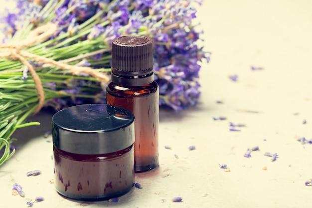 Aromatherapie olie en lavendel
