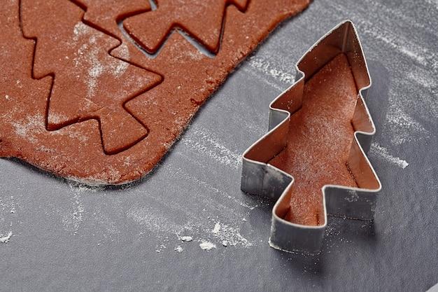Aromatisch deeg voor kerstkoekjes met peperkoekboompjes