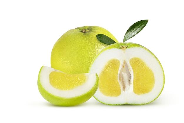 Aromatische en sappige zoete citrusvariant op een wit
