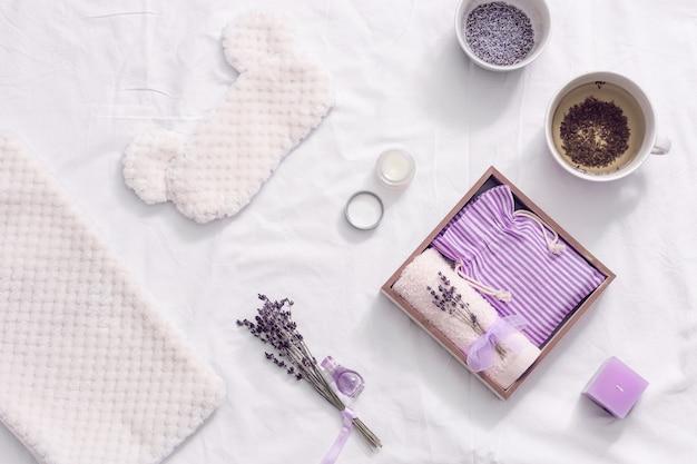 Aromatische kruidenthee om u te helpen in slaap te vallen handgemaakte geschenkdoos voor moedervrouw