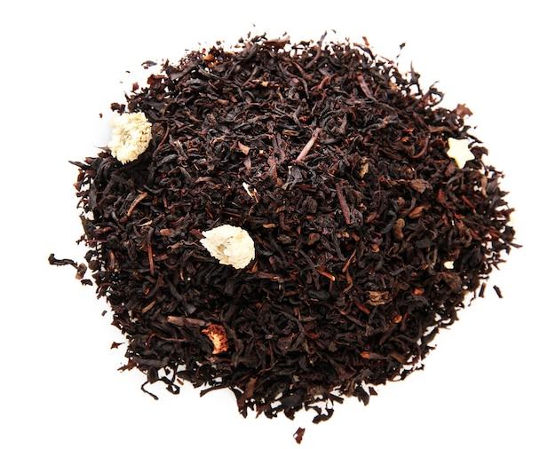 Aromatische zwarte droge thee met bloemen