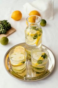 Arrangement voor citrusvruchten met een hoge hoek