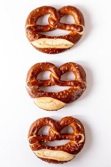 Artistieke opstelling van bagels met zaden