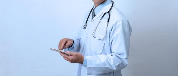 Arts met een smartphone