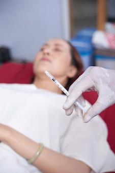 Arts voorbereiding voor operatie