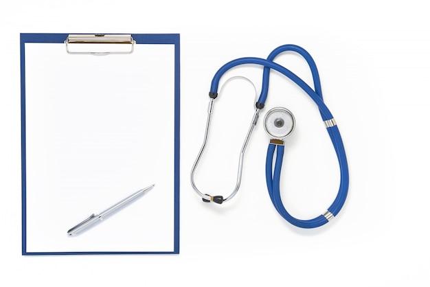Artsentafel met stethoscoop, klembord en pen, hoogste mening