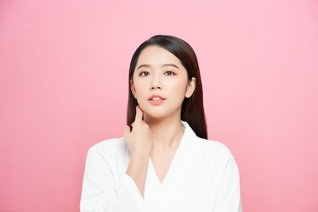 Asian girl beauty face skincare and health wellness, gezichtsbehandeling, perfecte huid, natuurlijke make-up
