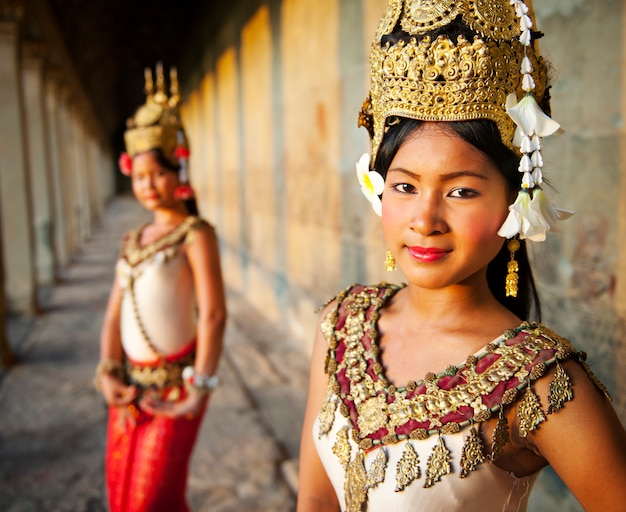 Aspara-dansers in angkor wat, siem reap, cambodja