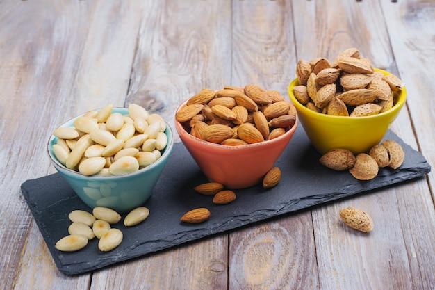 Assortiment van amandel noten