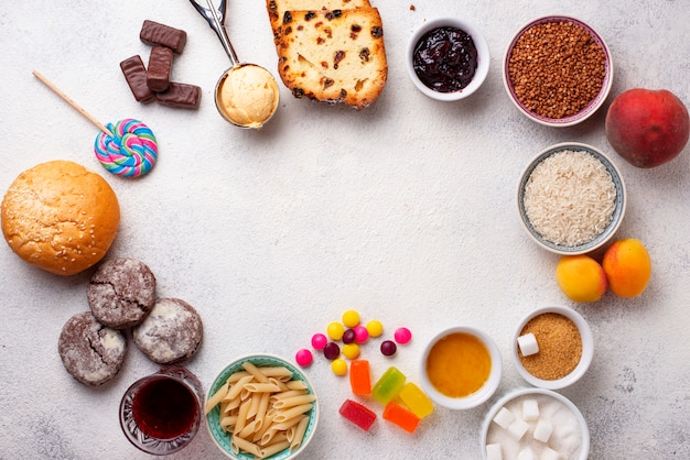 Assortiment van eenvoudige koolhydraten eten