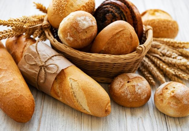 Assortiment van gebakken brood