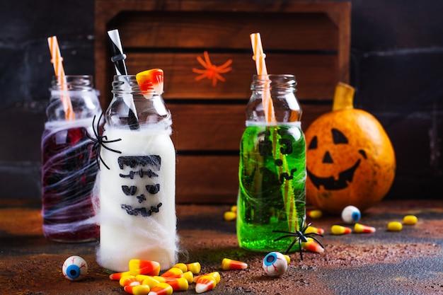 Assortiment van halloween-drankjes
