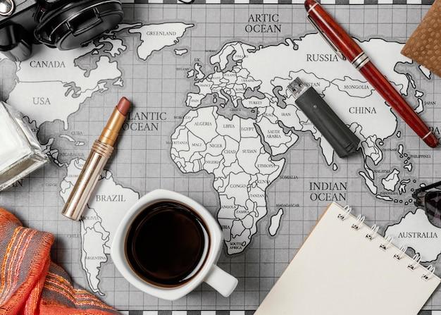 Assortiment van verschillende reiselementen