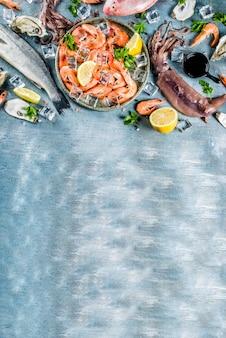 Assortiment van verse rauwe zeevruchten