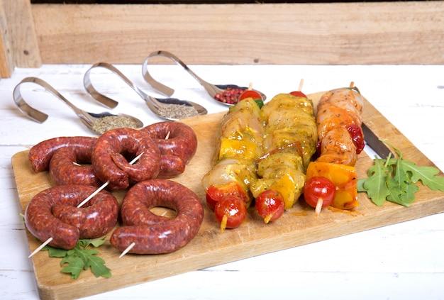 Assortiment van vlees voor barbecue