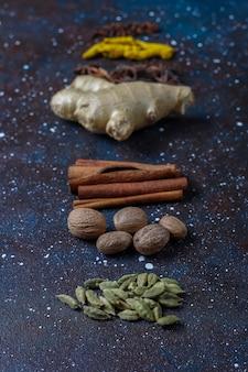 Assortiment van winterkruiden.