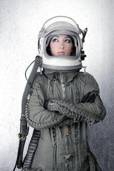 Astronaut ruimteschip vliegtuigen helm mode vrouw