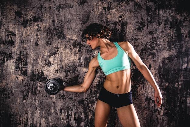 Atletisch fitness vrouwelijk model