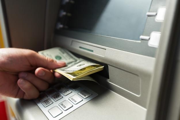 Atm bank bankieren papiergeld bank teller valuta verwijderen