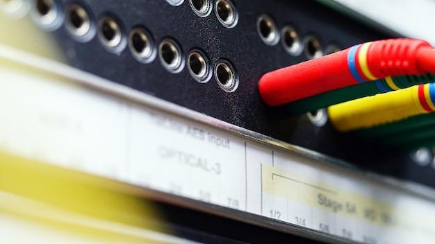 Audio batchbay met type a gebalanceerde patchconnectoren professionele studio