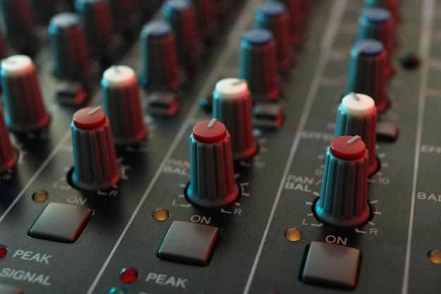 Audio sound mixer, close-up en selectieve focus