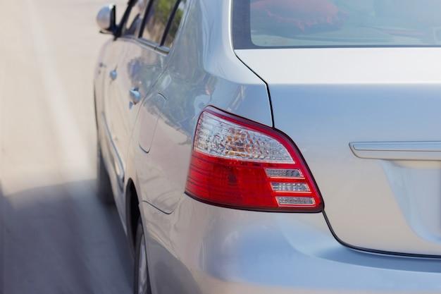 Auto-achtergrondverlichting rood licht