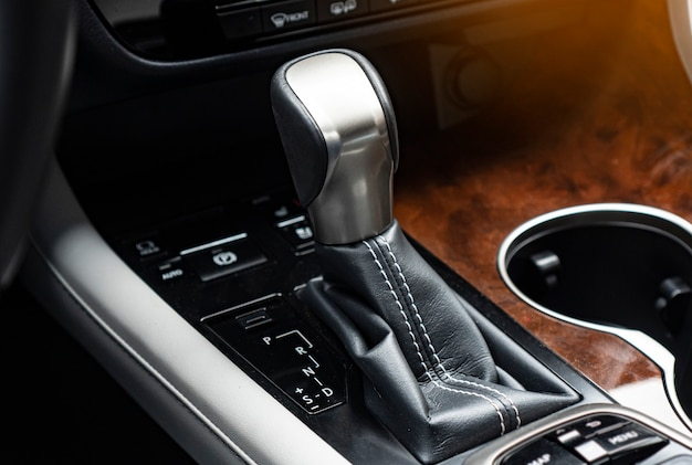 Automatische transmissie in een moderne auto