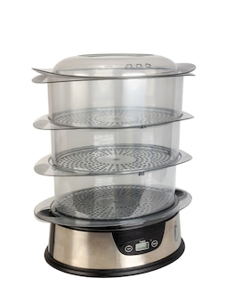 Automatische voedselstomer met drie transparante containers geïsoleerd op een witte achtergrond.