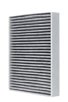 Automotive filter geïsoleerd op wit, close-up