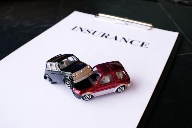 Autoverzekering concept met beleid.