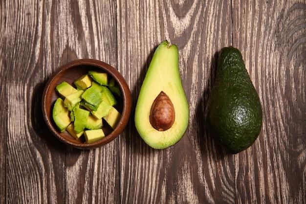 Avocado fruit op houten oppervlak