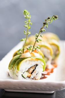 Avocado sushi