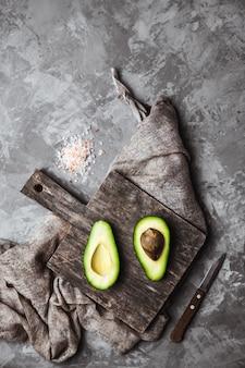 Avocado. voedsel op tafel. gezond gezond eten