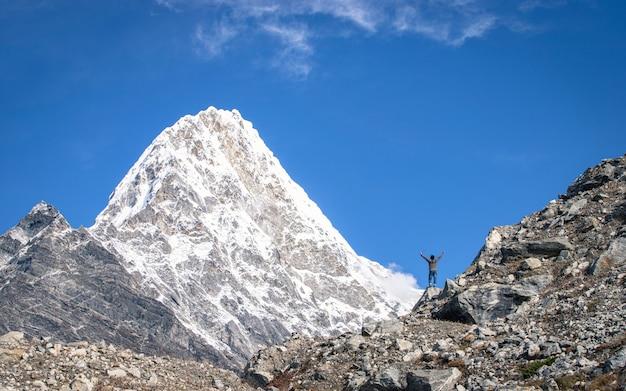 Avontuur mount kang nachugo in dolakha, nepal`