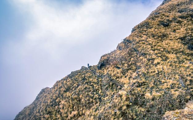 Avontuurlijke bergwandelingen bij mardi himal trek, mardi, kaski, nepal.