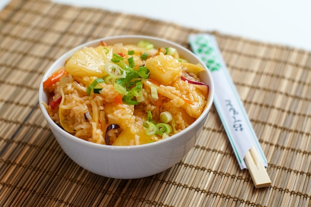 Aziatisch eten in een restaurant