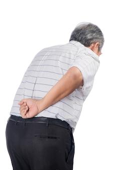 Aziatische senior man met rugpijn geïsoleerd op wit