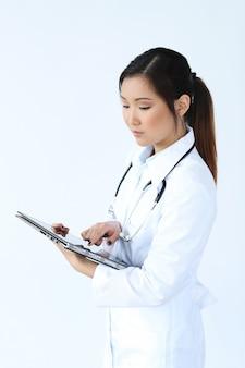 Aziatische vrouwelijke arts, vrouwenspecialist