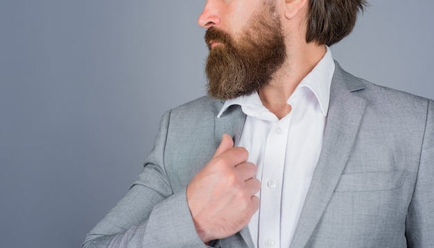 Baard close up kapperszaak professionele baardverzorging kapper baardverzorging salon voor mannen close up