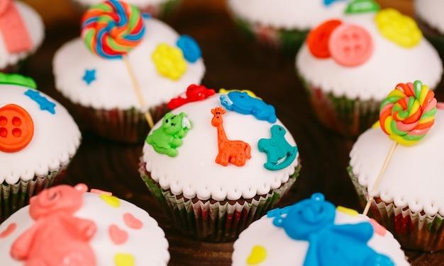 Baby cupcakes op hout