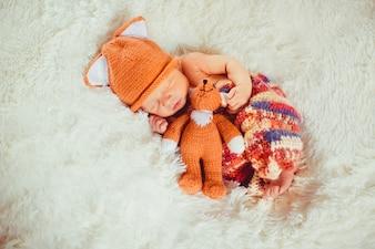 Grappig slapen vectoren foto 39 s en psd bestanden gratis for Baby op zij slapen kussen