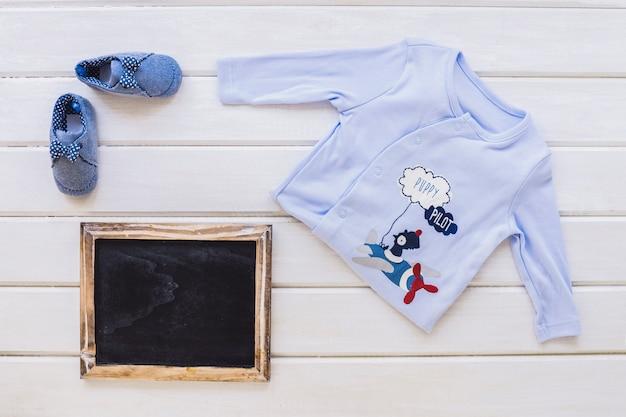 Baby jongen concept met leisteen