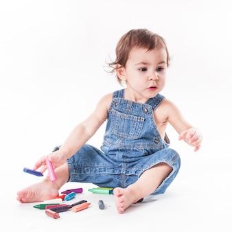 Babymeisje is aan het schrijven