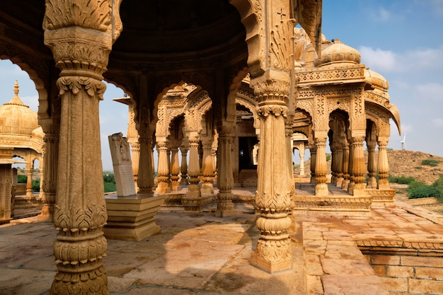 Bada bagh cenotaven hindu graf mausoleum. jaisalmer, rajasthan, india